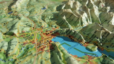 Carte en relief de la Haute-Savoie version été. 1/230 000