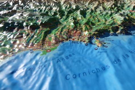 Carte en relief des Alpes Maritimes et ses fonds marins. 1/280 000