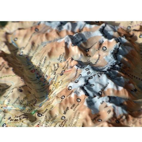 Carte en relief du Mont Blanc et sa région. 1/210 000