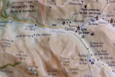 Carte en relief du parc naturel régional du Queyras-Ubaye. 1/120 000