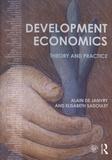 Alain de Janvry et Elisabeth Sadoulet - Development Economics - Theory and Practice.