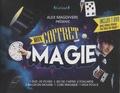Alex Magdivers - Mon coffret magie - Avec 25 fiches, 1 jeu de cartes, 2 foulards, 3 balles en mousse, 1 cube magique, 1 faux pouce. 1 DVD