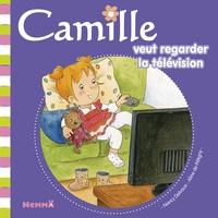 Aline de Pétigny et Nancy Delvaux - Camille veut regarder la télévision.