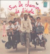 Accentsonline.fr Sur le chemin de l'école Image