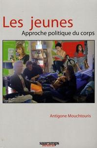 Antigone Mouchtouris - Les jeunes - Approche politique du corps.