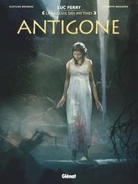 Clotilde Bruneau - Antigone.
