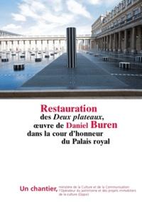Antoine-Marie Préaut - Restauration des Deux Plateaux, sculpture in situ de Daniel Buren dans la cour d'honneur du Palais-Royal.