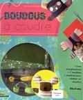 Clémentine Collinet - Doudous à coudre - Avec 1 livre d'explications, 7 modèles, le matériel pour réaliser un doudou.