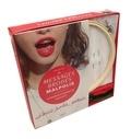 Sonia Lucano - Messages brodés malpolis - La broderie n'a jamais été aussi rock ! Avec 1 tambour à broder, 1 toile à broder, 2 aiguilles à broder, 3 écheveaux de fil, 1 livre d'explications.