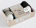 Larousse - Coffret Coucou poussinette ! - 20 recettes d'oeufs faciles & cosy à déguster dans ton petit nid. Contient : 1 livre, 2 coquetiers et leurs bonnets.