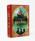J.K. Rowling et  MinaLima - Harry Potter Tome 1 : Harry Potter à l'école des sorciers.