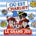 Gründ - Où est Charlie ? Le grand jeu - Avec 1 grand plateau de jeu ; des pions-personnages et des pions-objets ; 1 dé ; 1 sablier ; 200 cartes défis ; 20 cartes-scènes à observer.