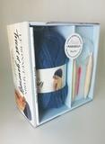 Marion Gruber - Coffret Le bonnet marin - Tricot it yourself. Contient : 1 livre, 1 pelote de fil, 1 paire d'aiguilles circulaires, 1 aiguiller à laine.