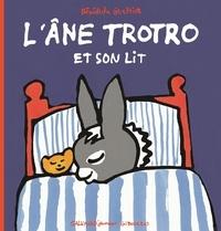 Bénédicte Guettier - L'âne Trotro et son lit.