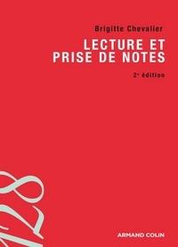Brigitte Chevalier - Lecture et prise de notes.