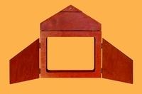 Callicéphale - Butaï en bois - 3 volets, fermetures en bois, adapté pour des planches au format traditionnel, 370 x 275 m.