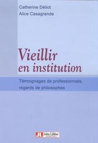 Vieillir en institution - Témoignages de professionnels, regards de philosophes.pdf