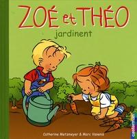 Catherine Metzmeyer et Marc Vanenis - Zoé et Théo jardinent.
