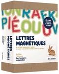 """Céline Alvarez - Coffret Lettres magnétiques - 86 lettres, diagrammes et images en bois aimantés et 1 livret """"Une entrée naturellle dans la lecture""""."""