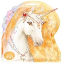 Christine Alcouffe - Ma pochette créative Licorne de feu - Avec 1 livret, 3 cartes à gratter scintillantes, 1 bâtonnet licorne et 3 activités Licornes.
