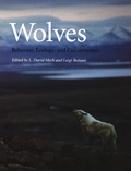 David Mech - Wolves - Behavior, Ecology and Conservation.