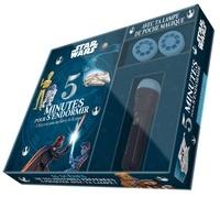 Coffret 5 minutes pour sendormir Star Wars - 5 histoires avec tes héros de la saga. Contient 1 livre et 1 lampe de poche avec 2 disques.pdf
