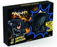 Dragon d'or - Batman, le coffret du justicier - Contient : le masque de Batman, la cape et un livre.