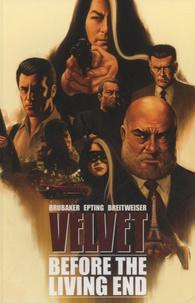 Ed Brubaker - Velvet - Volume 1, Before the Living End.