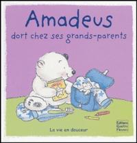 Elisabeth de Galbert et Mandy Stanley - Amadeus dort chez ses grands-parents.