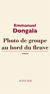 Emmanuel Dongala - Photo de groupe au bord du fleuve.