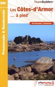 FFRandonnée - Les Côtes d'Armor à pied.