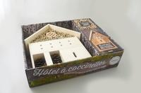 Fiona Hopes - Hôtel à coccinelles et autres insectes bienfaiteurs du jardin - Avec 1 petit guide pratique et 1 hôtel à insectes à installer dans votre jardin.