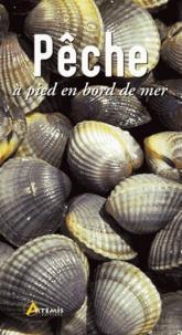Gérard Houdou et Pascal Durantel - Pêche à pied en bord de mer.