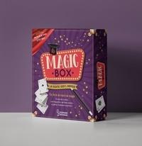 Guillaume Robert et Isabelle Fougère - Magic box, la boite 100% magie - Magic Box, ton livre de tours de magie avec 1 foulard, trois gobelets, 4 petites boules, 4 cartes truquées, 1 faux pouce, 1 jeu de cartes et 1 baguette magique.