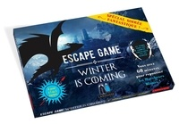 "Isabelle Jeuge-Maynart et Ghislaine Stora - Escape game Winter is coming - Avec 1 livret organisateur, 2 feuillets ""mission"", 41 cartes énigmes, 24 enveloppes et 10 cartes personnages bonus et malus."