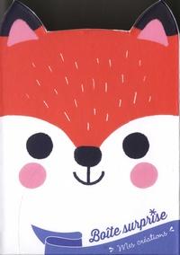 Clémentine Dérodit - Ma boîte surprise Renard - Avec 1 bracelet, 50 strass, 2 cartes à gratter en forme de renard, 2 cartes en strass, 1 bâtonnet, 1 planche de stickers, et 4 feuilles d'origamis.