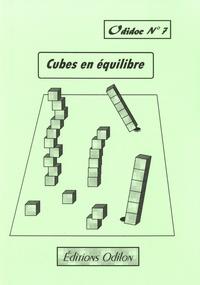 Jacky Varenne - Cubes en équilibre.