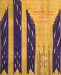 Decorative textiles from arab & islamic cultures.pdf