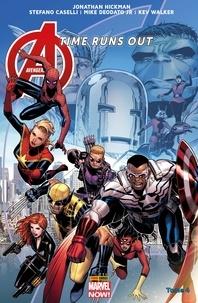 Jonathan Hickman et Mike Deodato Jr - Avengers Time Runs Out (2013) T04 - La chute des dieux.