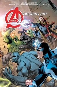 Jonathan Hickman et Stefano Caselli - Avengers Time Runs Out Tome 2 : Tu ne peux pas gagner.