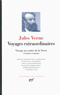 Jules Verne - Voyages extraordinaires - Voyage au centre de la Terre ; De la Terre à la Lune ; Autour de la Lune ; Le testament d'un excentrique.