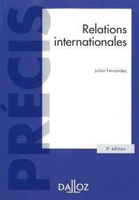 Julian Fernandez - Relations internationales.