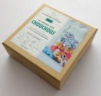 Juliette Michelet - Kit Fini le jetable, je fabrique durable ! Je couds mes chouchous - Le livre d'explications avec 3 tissus unis imprimés, 3 élastiques plats + 1 épingle de nourrice, 1 bobine de fil + 1 aiguille.
