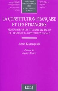 Rhonealpesinfo.fr La constitution française et les étrangers. Recherche sur les titulaires des droits et libertés de la constitution sociale Image