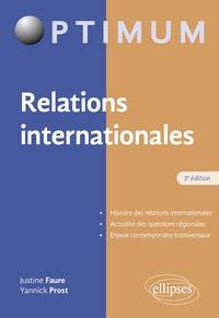 Justine Faure et Yannick Prost - Relations internationales.