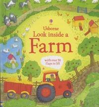 Katie Daynes et Simone Abel - Look Inside a Farm.