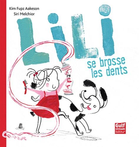 Lili se brosse les dents