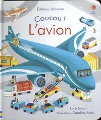 Lara Bryan et Caroline Attia - L'avion.