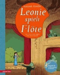 Leonie spielt Flöte.