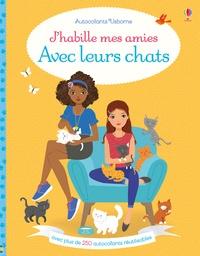 Lucy Bowman - J'habille mes amies avec leurs chats.